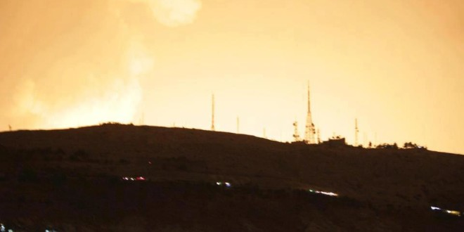 سواسية | اسرائيل تحاول مد طوق النجاة للنظام السوري عبر ضربات جوية متفق عليها مسبقاً